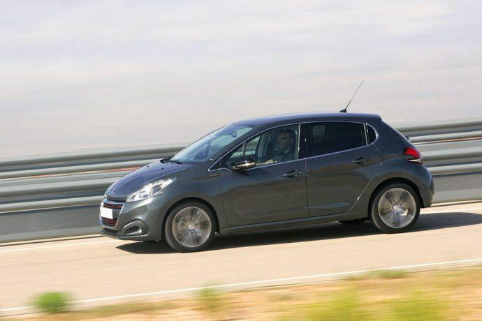 Peugeot 208 Blue HDi GT Line. Se actualiza y eleva su nivel