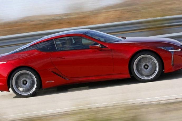 Lexus lC 500h Sport+.